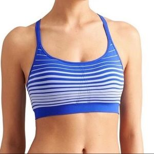 Athleta Up-Tempo T Bra Size Medium